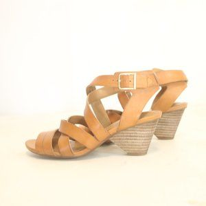 Clarks Artisan Women's 6M EU 36 Sandals Leather